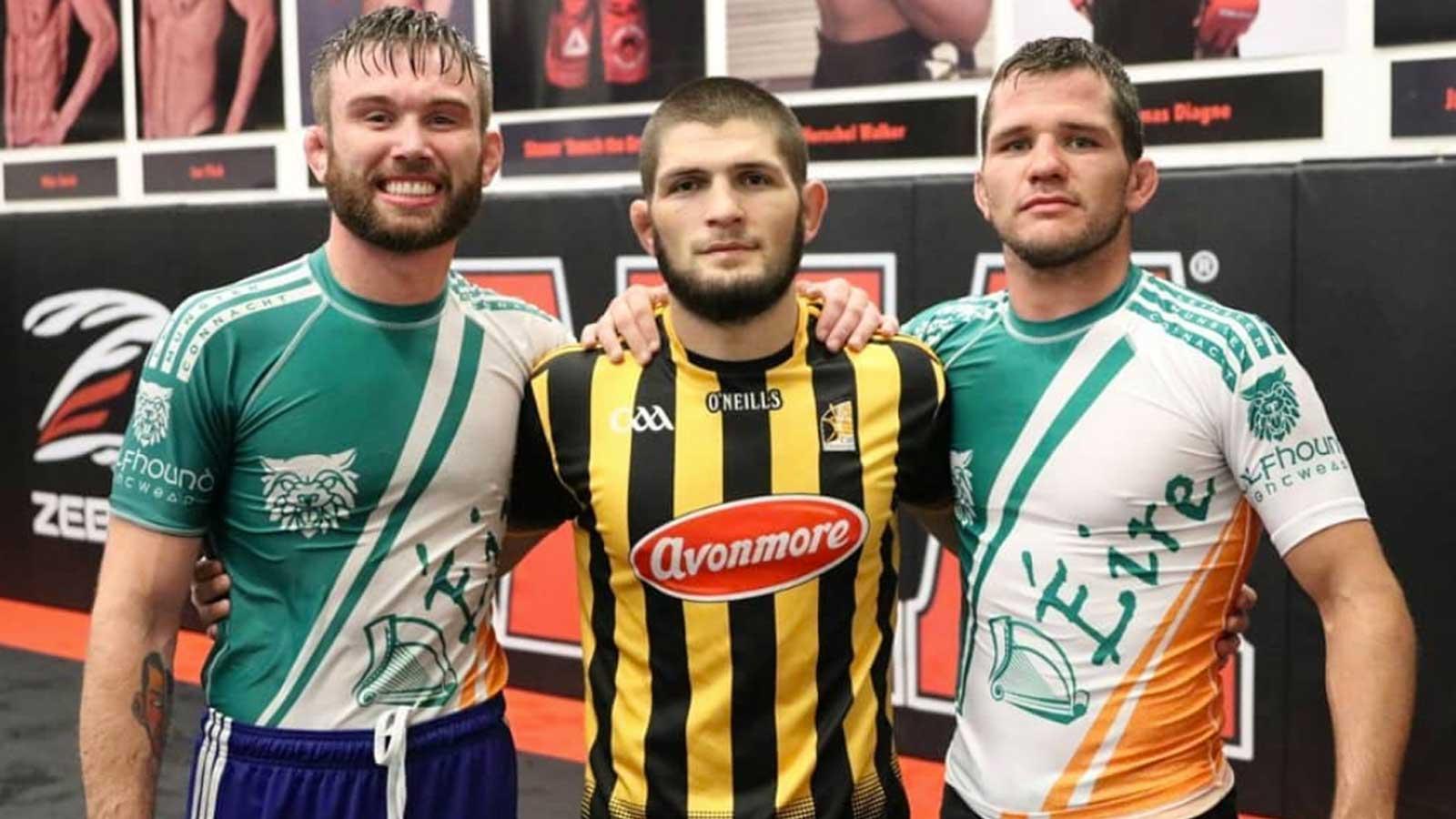 Myles Price (left) picutreed with Khabib Nurmagomedov & Adam Piccolotti. Photo: @myles_splinter_price/@frujuice_athletics