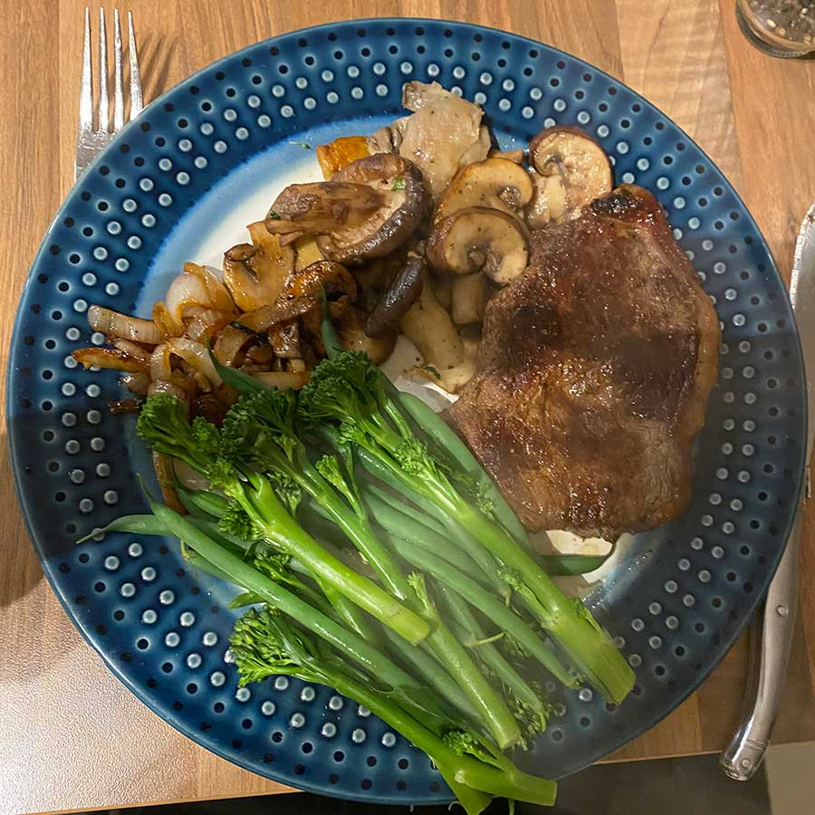 Reducing carbs, upping proteins and greens with some steak and broccoli